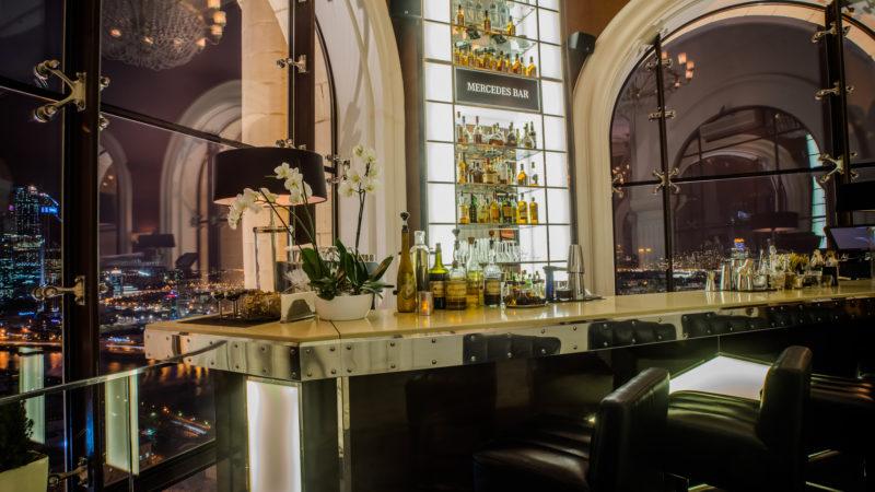 mercedes-bar_interior-5