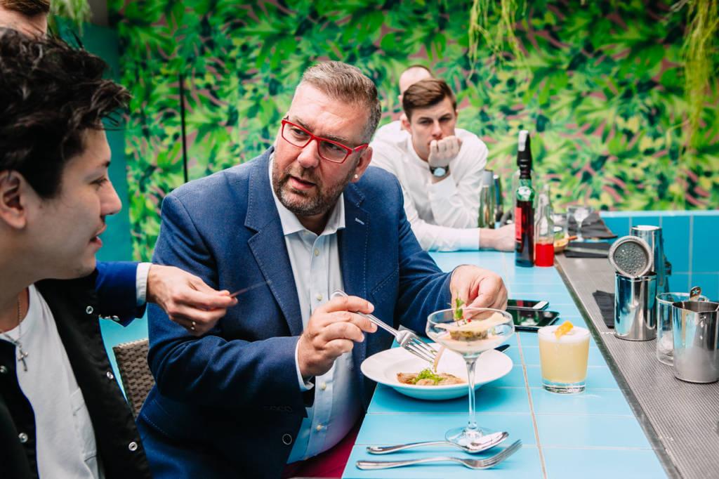 Аристотелис Попадопулос судит челлендж foodpairing в России